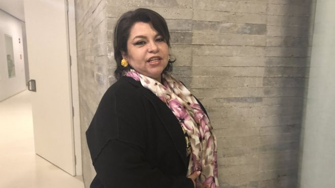 Mujer Busca Hombre-896516